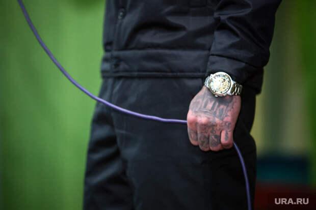 Зеленский ввел санкции против воров взаконе