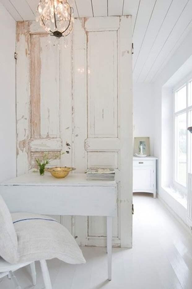 Идеи применения старых дверей