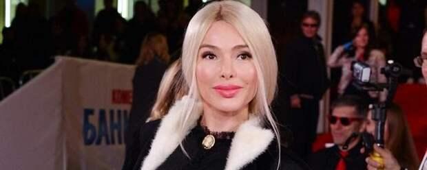 Алена Кравец попала в больницу после падения с лестницы
