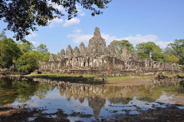 Таиланд вводит десятидолларовый сбор для иностранных туристов