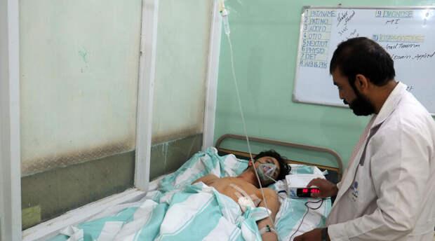 Число жертв после взрыва мечети в Афганистане продолжает расти