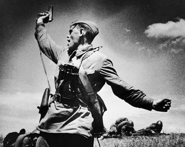 Истории самых известных фото ХХ века: Комбат война, герой, история, комбат, факты, фото