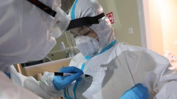 Коронавирус выявили у 8554 человек в РФ за сутки