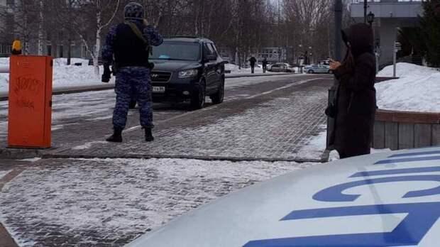 Анонимы второй день подряд сообщают о минировании мэрии Сургута