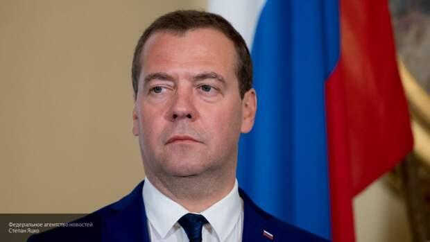 """Медведев пообещал достроить """"Северный поток — 2"""", несмотря на """"стенания"""" США"""