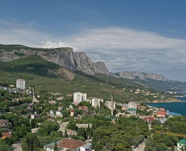Около 600 объектов размещения Крыма предоставили обязательства о начале работы