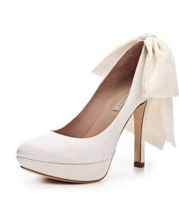 Туфли Pupa Lopez к белому платью