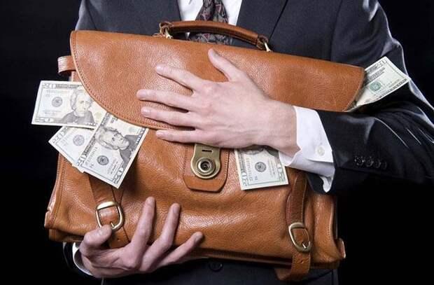 Инсайдеры и миллиардеры вывели из российских акций $700 млн за неделю
