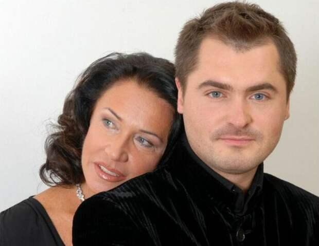 Почему Евгений Гор не появляется в обществе рядом с Надеждой Бабкиной