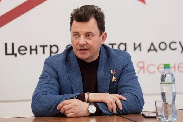 Летчик-космонавт Романенко будет баллотироваться в Госдуму