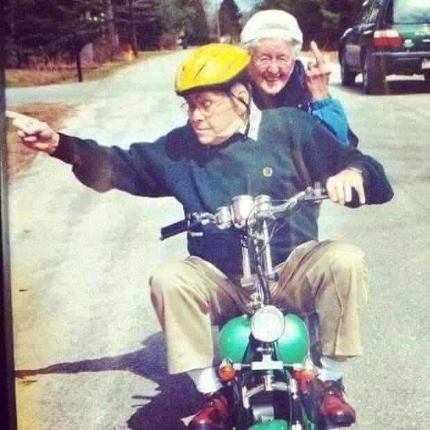 моменты из жизни влюблённых пар, пожилые пары, добрые истории о любви
