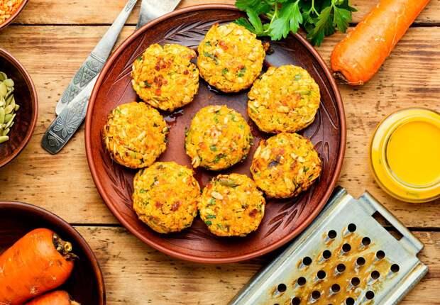 Овощные диетические котлеты из моркови и чечевицы