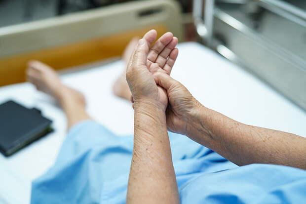 Медики показали «ковидные пальцы» заражённых пациентов