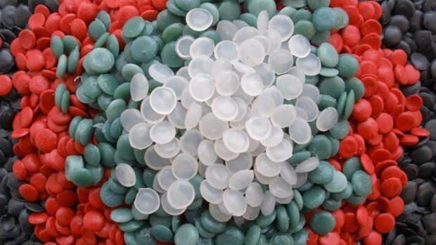 Ученые разработали технологию переработки пластиковых отходов в топливо