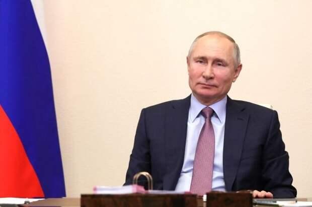 Путин подписал указ о нерабочих днях между майскими праздниками