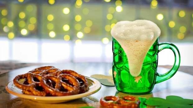 Британцев призывают компенсировать убытки баров покупкой пива