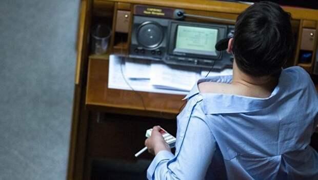 Савченко внезапно начала обнажаться в Раде (фото)