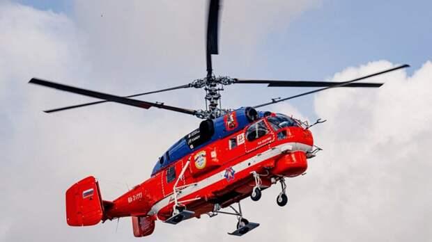Крупный лесной пожар под Тюменью тушат при помощи вертолета