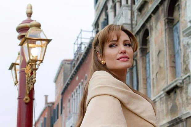 Анджелина Джоли рассказала о влиянии пандемии на детей