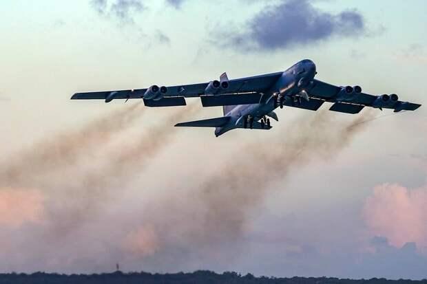 Стратегические бомбардировщики и истребители США пролетели вдоль иранских границ