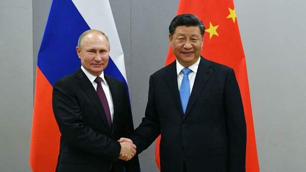 Президент РФ Владимир Путин и председатель Китайской Народной Республики Си Цзиньпин во время встречи в рамках саммита БРИКС - РИА Новости, 1920, 01.10.2020