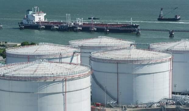 Запасы нефти развитых стран превысили виюле пятилетнюю норму