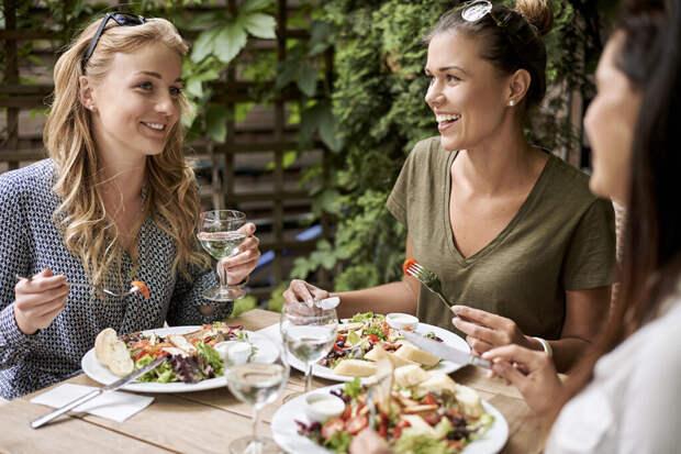 Почему обед так важен, и что приготовить, чтобы не потолстеть