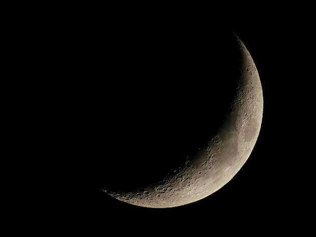 Новые свидетельства того, что луна может быть космическим кораблем