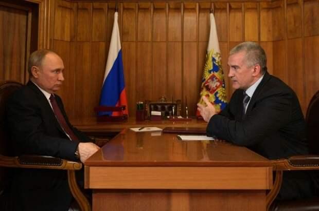Путин наградил главу Крыма орденом Александра Невского