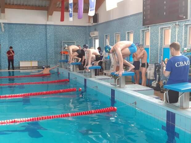 Пловцы из Южного Медведкова завоевали «бронзу» в окружных стартах