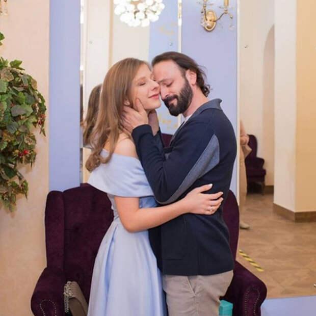 Лиза Арзамасова и Илья Авербух поделились ранее не опубликованным фото со свадьбы