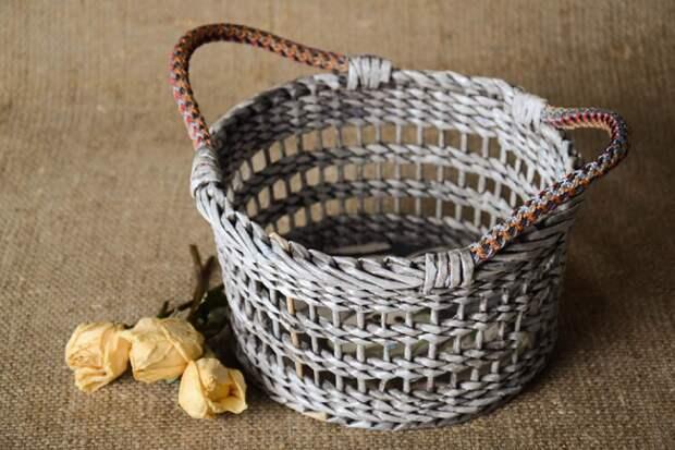 Подготовка материала и плетение корзин из газетных трубочек - мастер-классы - Домоводство