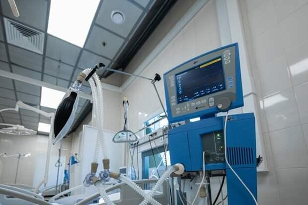 Временный госпиталь на ВДНХ принял первых пациентов с COVID-19