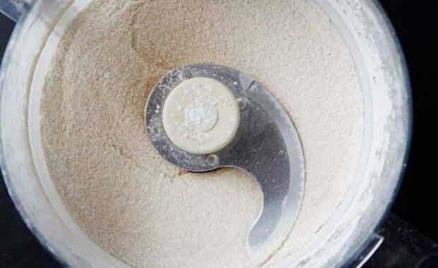 Сахар и кофемолка или блендер - и проблема решена. /Фото: wafli.net
