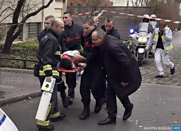 EIB8sWeqrSQ Голливуд на Елисейских Полях или постановочный теракт в Париже