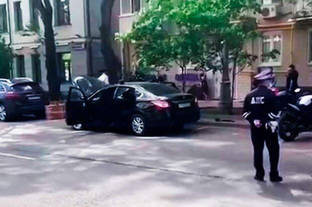 В центре столицы обнаружили автомобиль, набитый оружием