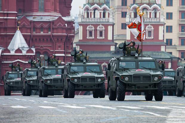 """Американские аналитики рассказали о """"смертоносной"""" мощи Западного военного округа РФ"""