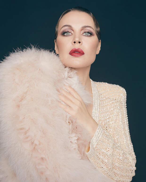 Ульяна Сергеенко в лукбуке Ulyana Sergeenko Haute Couture весна-лето 2021