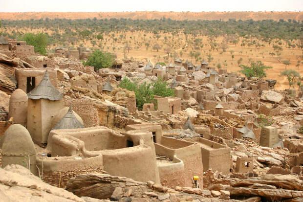Деревня Амани - единственное поселение на 150 километров вокруг. Кения красота, путешествия, фото