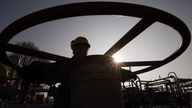 До9,42млн б/с сократилась добыча нефти сгазоконденсатом вРФ