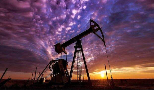 Нефть возвращает утраченные потери с середины марта