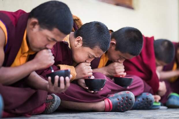 Как живёт буддийский монастырь Тилопа