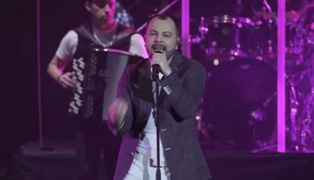Потрясающее выступление Ярослава Сумишевского с песней ''Вне игры''