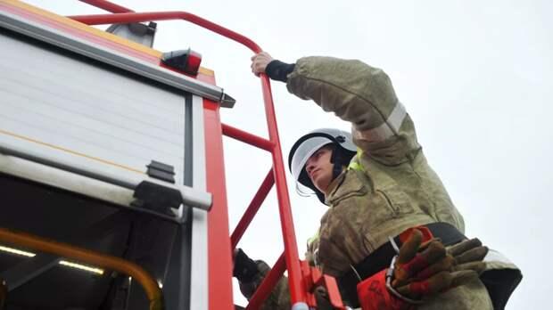 В жилом доме в Екатеринбургеликвидировали открытое горение