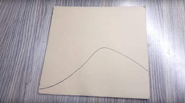 Интересная вещь для интерьера из картонных обрезков