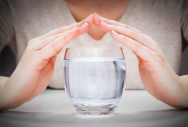 Чистить уши, пить по 2 литра воды: полезные привычки,от которых нужно  отказаться | Здоровье | Селдон Новости