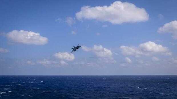 Бывший летчик ВМС США рассказал о ставших привычными встречах с НЛО
