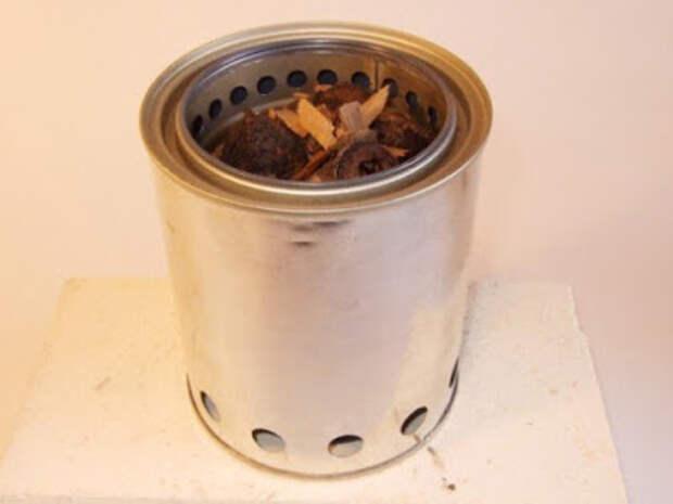 Легкая самодельная походная печка из консервных банок