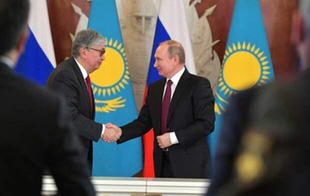 Путин поздравил президента Казахстана с днем рождения