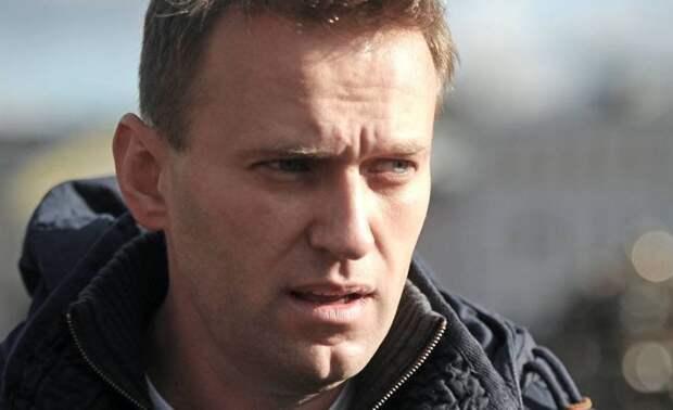 «Это не возвращение в Россию, а изгнание из Германии» – западные читатели о Навальном